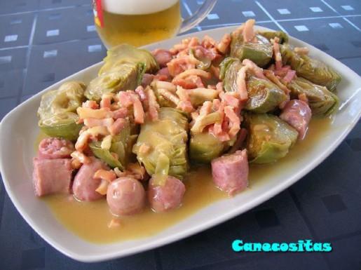 ALCACHOFAS CON SALCHICHAS A LA CERVEZA Receta Clase Cocinar Con Cerveza,  Gentiliza De Mahou Y Mía, Añadiendo Más Acompañamiento,jiji. Ingredientes: