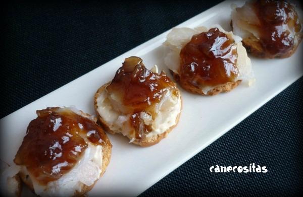 Canapes de bacalao ahumado con cebolla caramelizada for Canape de pate con cebolla caramelizada