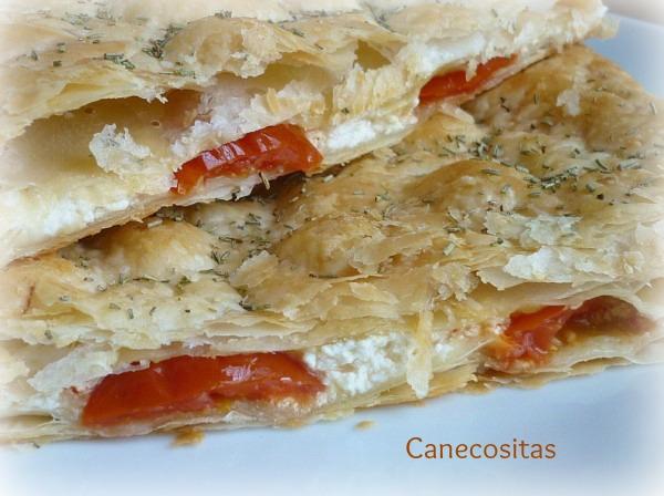 Empanada de queso, tomate y mostaza 3
