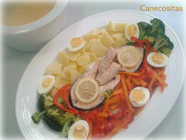 Crema rápida  y salmón al vapor con verduras 1 thermomix