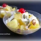 Copas de manzana asada y yogur
