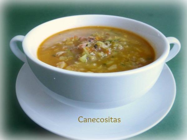 Sopa de verduras con jamón y huevos poché con thermomix 1