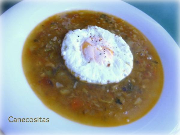 Sopa de verduras y jamón con huevos poché 3 thermomix