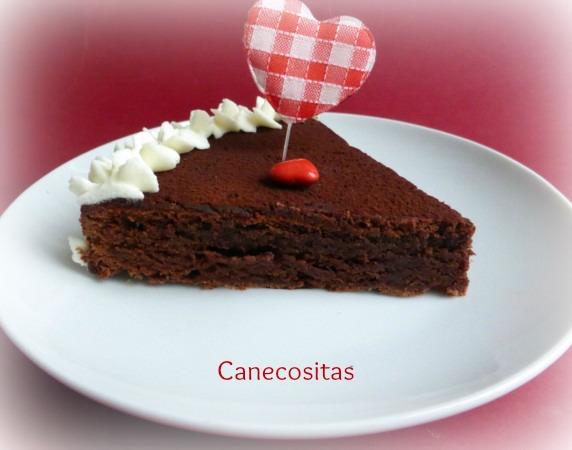 Tarta húmeda de chocolate San Valentín 3