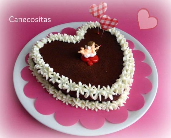 ♥ SAN VALENTÍN ♥ - Página 6 Tarta-h%C3%BAmeda-de-chocolate-San-valent%C3%ADn-1