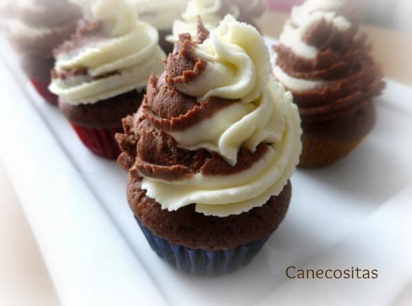 minimuffins de chocolate con frostting de mascarpone 2 thermomix