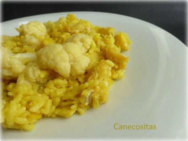 Paella de arroz con bacalao cebolla y coliflor con - Arroz con bacalao desmigado ...